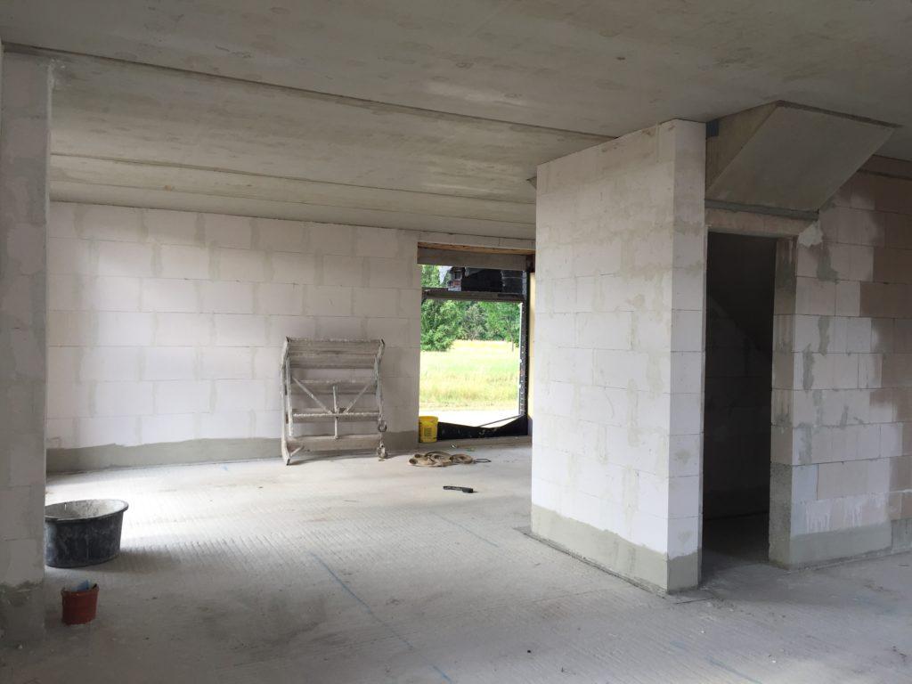 Wohn/Ess Bereich inkl. Abstellkammer unter der Treppe