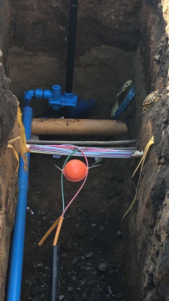 Hauptwasserleitung mit Abzweig für unser Haus