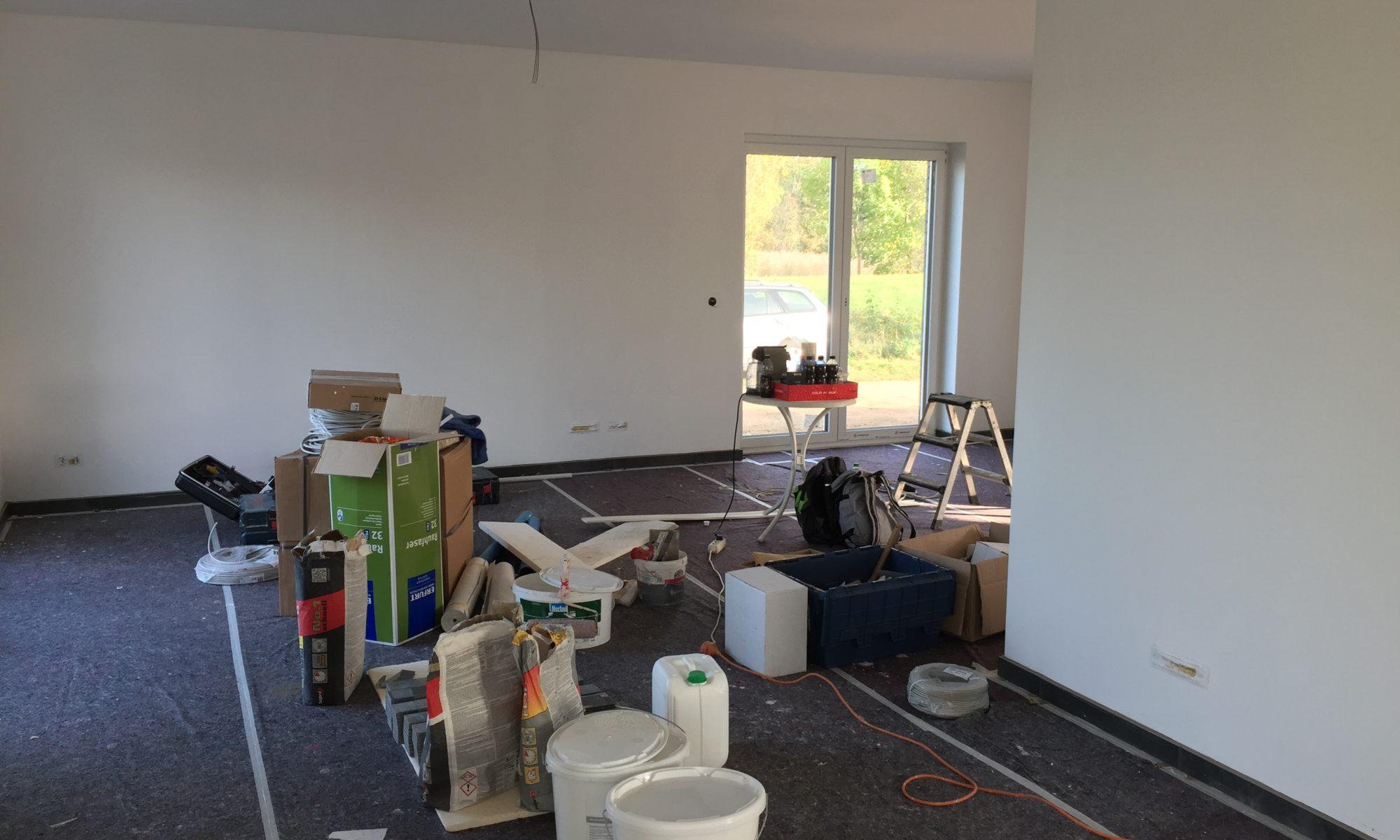 Malerarbeiten im Wohnzimmer
